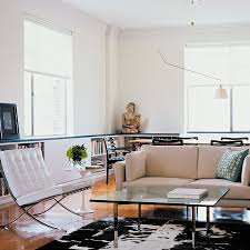 And a more modern apartment with the same table     Elle Decor phot